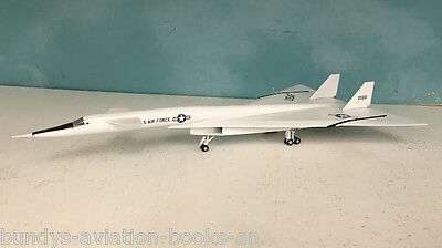 N.A.Valkyrie 20001 USAF a metal model in 1/200 scale from Sky Classics