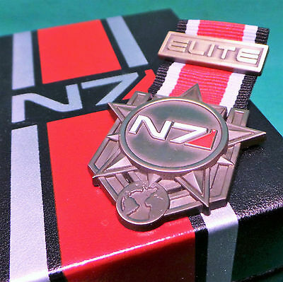 Official Mass Effect N7 Elite Medal Badge Pin & Collector's Box Bronze Metal