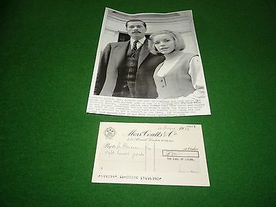 Lord Lucan Original Signed Cheque Dated 1/8/1974 And Original Press Photograph