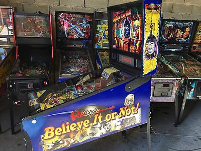 Pinball STERN RIPLEY'S BELIEVE IT OR NOT! - USED - Flipper 2004 - Working Condit