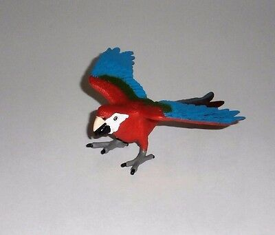 Scarlet Red Macaw Parrot Bird Miniature Collectible Figure from Safari Ltd.