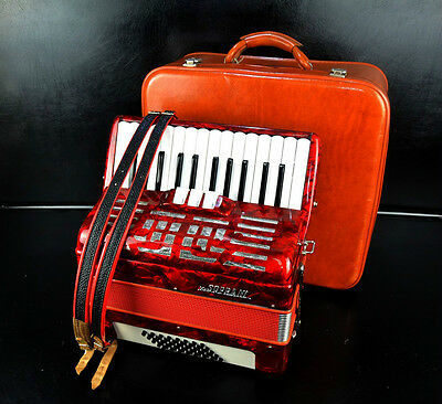 TOP ACCORDION V.SOPRANI 40 bass,3sw.+Original CASE~Made in Italy~NEWLY CONDITION
