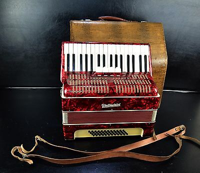 VINTAGE TOP GERMAN PIANO ACCORDION WELTMEISTER 48 bass,4 reg.+ORIGINAL HARD CASE