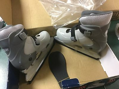 NEW CCM Gray Tyke Expandable Ice Skates Multi-Fit Medium 12 to 1 Youth (434)