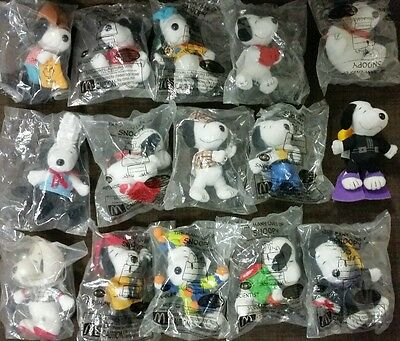 Snoopy - The Many Lives of - McDonalds Happy Meal 15 toys Mint
