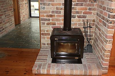 MAXIHEAT Combustion Wood Heater
