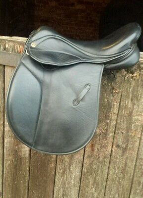 saddle company saddle 16 inch Black , close contact , wide fit