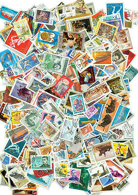 Ussr – 905 Different Stamps [35987] + Free Gift