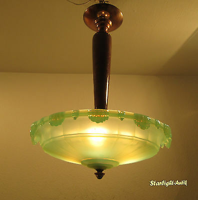 Beautiful French Art Deco Chandelier 1925/1930 - Opalescent Glass