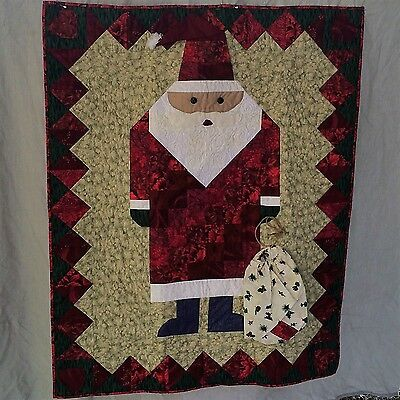 """Here Comes Santa Clause"" Wall Hanging Christmas Quilt 32 in. by 40 in."