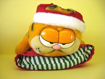 """Garfield The Ginger Cat 10"""" Christmas Soft Toy On Cushion / Vintage Dakin 1981"""