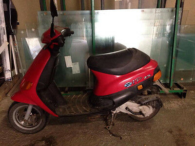 piaggio zip mofa roller 50 ccm 25kmh eur 200 00. Black Bedroom Furniture Sets. Home Design Ideas