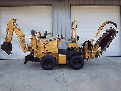 2007 Vermeer RT650 haydraulic slide trencher  with a backhoe
