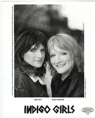 Indigo Girls, COOL official 8x10 press photo! 2004 shot, record company portrait