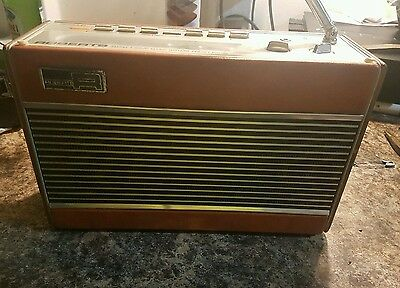 Roberts Radio RP26-B FM/AM 3 Band Radio. Excellent condition - great sound