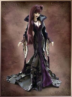 Evangeline ghastly outfit  gothic romance