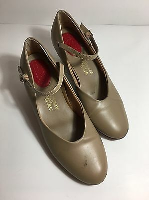 "Women's Nude Character 2"" Heel Shoes Size 6 ""Dance Class"" brand"