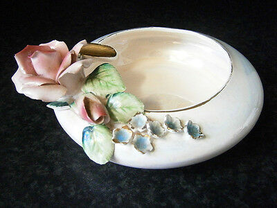 VINTAGE JAPANESE CHINA ROUND LUSTRE ASHTRAY with MOULDED PINK ROSE & FLOWERS