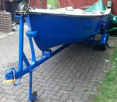 fishing boat open top day boat and outboard(trailor included!!))