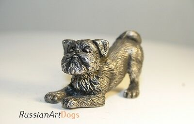 Brussels Griffon statuette figurine miniature pewter  tin (silver color)