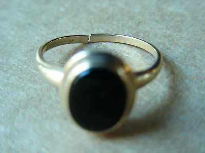 Vintage Black Onyx 10K Gold Ring, Approximate Size 7