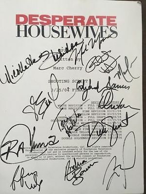 DESPERATE HOUSEWIVES TV Script Pilot Episode Group Cast Autographed Signed by 13