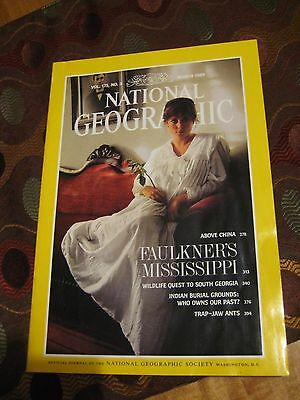 National Geographic 4/89 Indian Burial Grounds: Who Owns Our Past? - Arrowheads