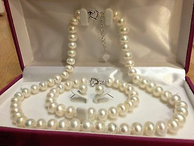 Classic Freshwater Pearl Gift Set with Necklace/Bracelet/Earrings(with giftbox)
