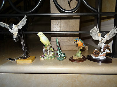 A Fine Collection of 6  VariousPorcelain Bird/Bird Groups in excellent condition
