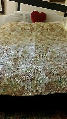Durham/Welsh/wholecloth/North Country/comforter/Hand stitched,vintage florals