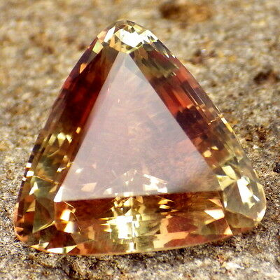 "GREEN ORANGE PINK ""MYSTIQUE"" OREGON SUNSTONE 14.32Ct FLAWLESS-TOP INVESTMENT!!"