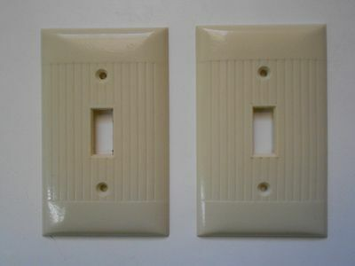 2 Mid Century Sierra Electric Company Bakelite Ivory Single Switch Cover Plates