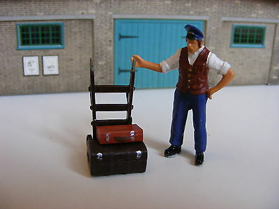 Porter with Trolley and Cases - 1:43 Finished White Metal Model