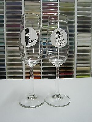 Wedding Glasses / Toasting Glasses / Bride and Groom