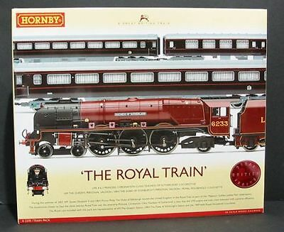 Hornby R2370 The Royal Train Train Pack - mint