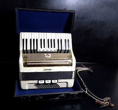 VINTAGE GERMAN TOP PIANO ACCORDION WELTMEISTER 60 bass,8 sw.(5+3 reg.)&Hard Case