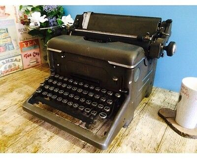Imperial Vintage Antique Heavy Metal Type Writer, Shop Display Photo Prop