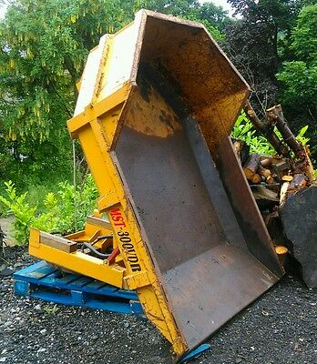 Large tracked dumper swivel skip 2.5 ton great condition.Tipping trailer project