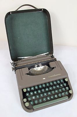 SMITH CORONA Skyriter Typewriter with Hard Case -Green - VINTAGE RETRO