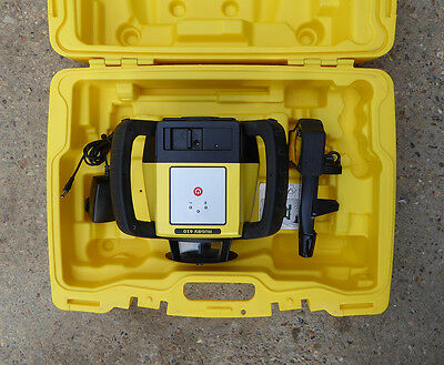 Leica Rugby 610 Self Leveling Rotating Laser with Rod Eye Basic Receiver