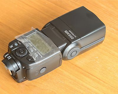Meike MK600 E-TTL Speedlite for Canon in Excellent Condition