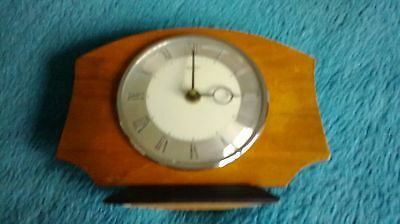 vintage bentima 8 day clock mantlepiece clock 6 in X 8 in very good condition