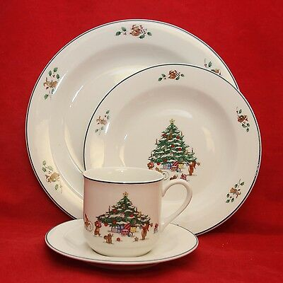Salem WHIMSICAL CHRISTMAS Childs Dinner & Luncheon Plates w/ Cup & Saucer