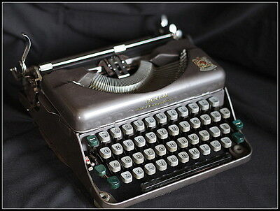 Clam Cased Imperial Good Companion 1 Typewriter.