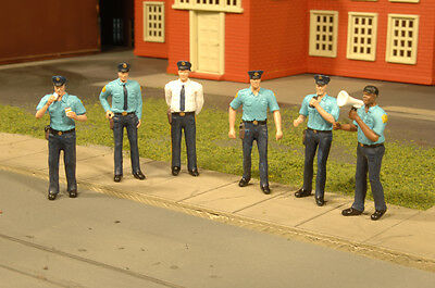 Bachmann 33154 O-Scale Police Squad Plastic Figures (6) Cops Very Detailed