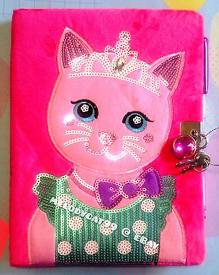 NEW!! SMIGGLE Furry Sequins Sidekick KITTY A5 Lockable Diary Journal, FREE PEN