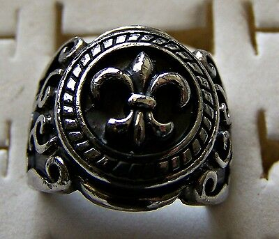 Fleur..de..lis    ~ S/steel  ~ Size:8  ~  Ring -- (Great_Christmas_Gift)