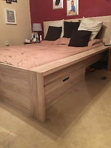 Wooden king size bedframe with under bed storage
