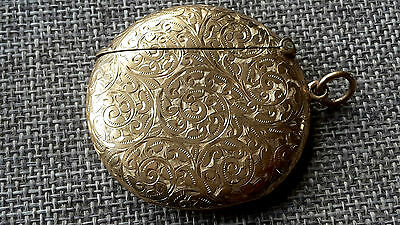 This is a quality antique solid 9 ct yellow gold chased pattern vesta case