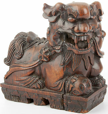 China 19. Jh. Qing Holzfigur - A Chinese Carved Hardwood Figure of a Shi Chinois